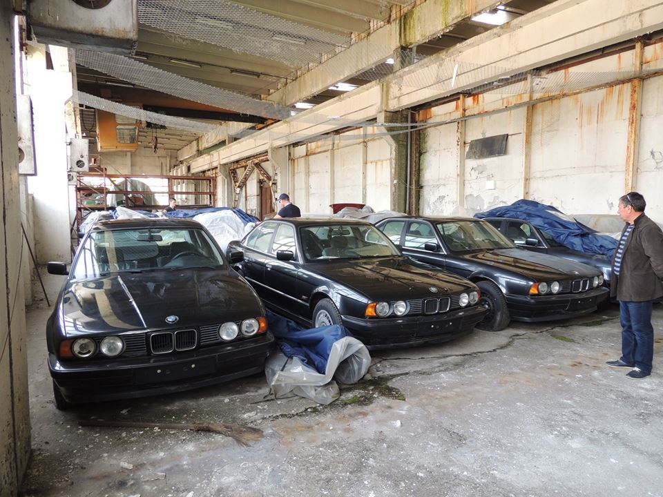 Los 11 BMW Serie 5 E34 abandonados en Bulgaria eran españoles