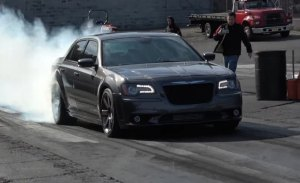 Este es el Chrysler 300 Hellcat Twin Turbo que FCA no quiso fabricar