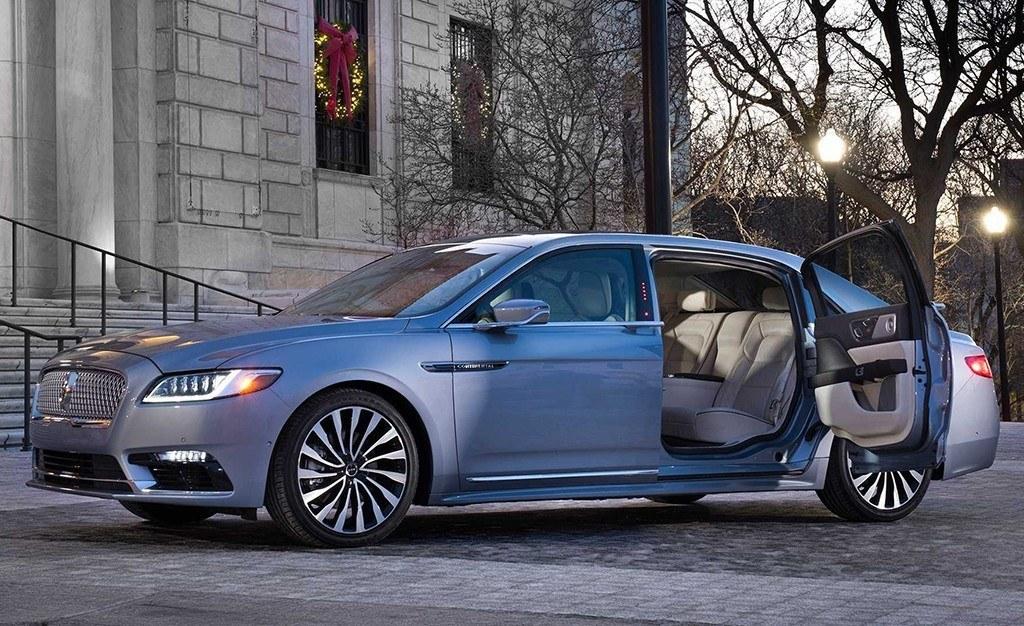 El Lincoln Continental Coach Door agotado, aunque la marca promete más unidades