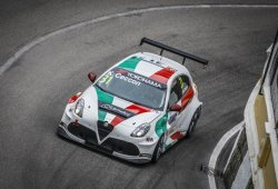 Kevin Ceccon repetirá con Romeo Ferraris en el WTCR