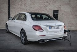 Mercedes y Endesa instalan puntos de carga domésticos para híbridos enchufables