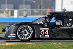 Nissan sorprende en la última sesión de los test de Daytona; el equipo de Alonso no sale
