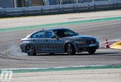 Probamos el BMW Serie 3 M340i xDrive camuflado en el Circuito de Portimao (con vídeo)