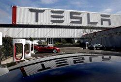 Tesla anuncia miles de despidos y menores beneficios en el 4º trimestre