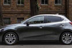 El Mazda 2 hatchback señalado como sucesor del Toyota Yaris en EEUU