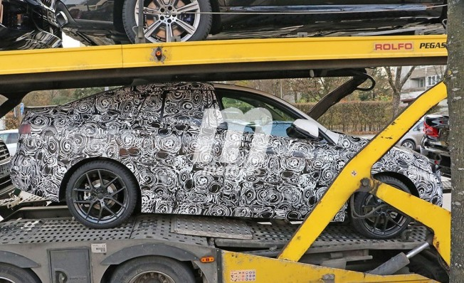 BMW Serie 2 Gran Coupé 2020 - foto espía lateral
