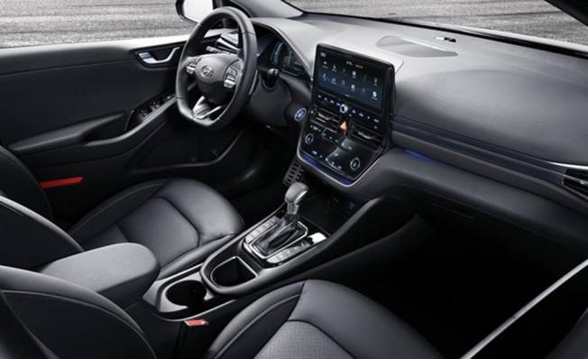 Hyundai IONIQ 2019 - interior