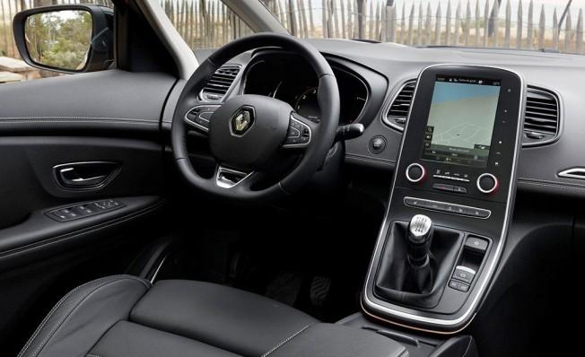 Renault Scénic - interior