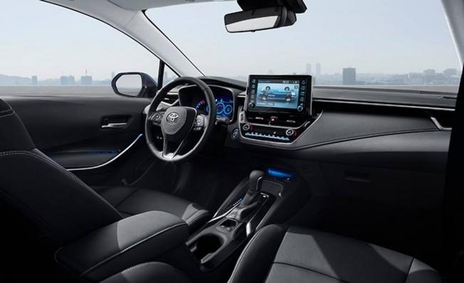 Toyota Corolla Sedán - interior