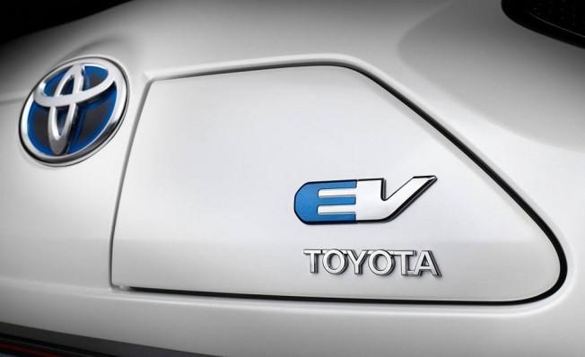 Toyota y Panasonic fabricarán baterías para coches electrificados