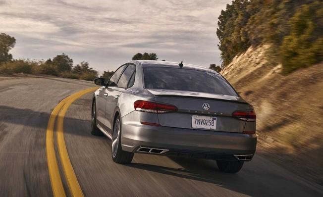 Volkswagen Passat 2019 - posterior