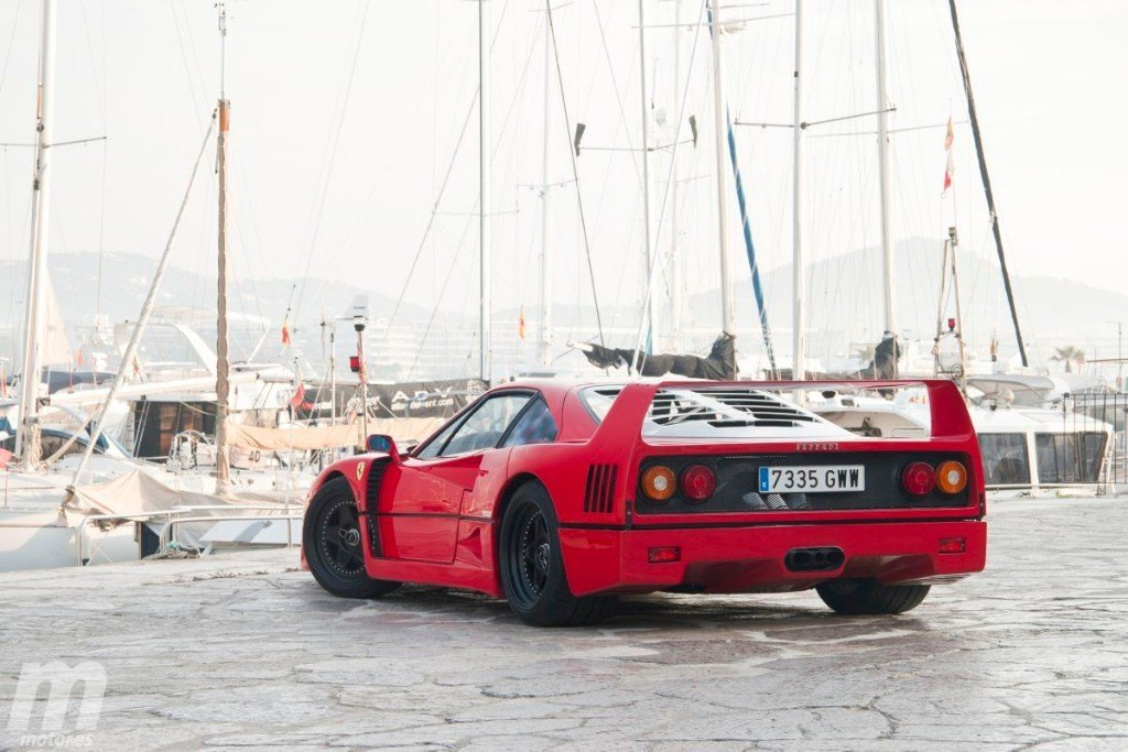 Prueba Ferrari F40: el supercoche que nos robó la infancia (con vídeo)