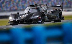 Mazda domina el ensayo nocturno de Daytona, con Fernando Alonso 6º