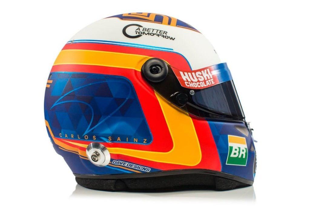 Carlos Sainz desvela su casco de 2019