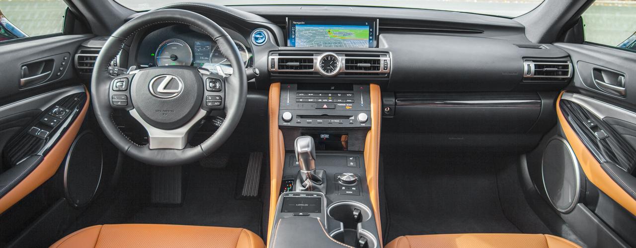 Prueba Lexus RC 300h 2019, el coupé híbrido autorrecargable se actualiza