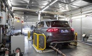La reducción de emisiones de Mercedes pasa por una electrificación a tres niveles