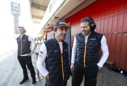 """Alonso, de visita en los test: """"La pretemporada no será representativa para Australia"""""""