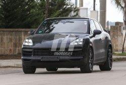 Nuevas fotos espía confirman un segundo spoiler trasero en el Porsche Cayenne Coupé