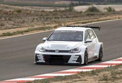 Volkswagen completa un test con el Golf GTI TCR en Almería