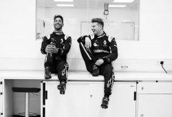 Daniel Ricciardo ya viste oficialmente de Renault