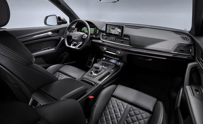 Audi SQ5 TDI - interior