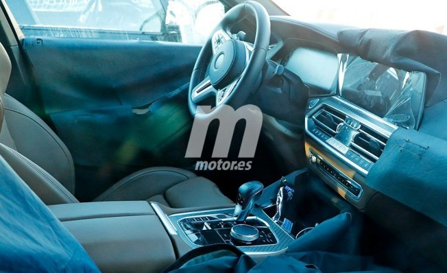 BMW X6 M 2020 - foto espía interior