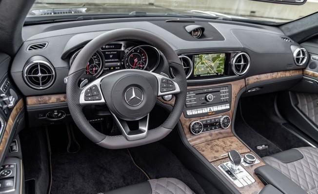 Mercedes SL Grand Edition - interior