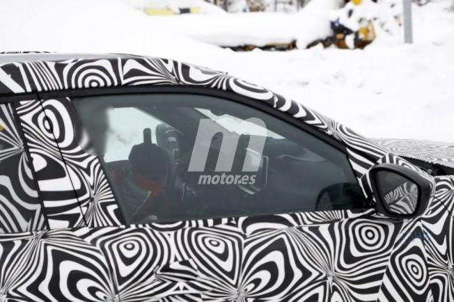 Peugeot 2008 2020 - foto espía interior