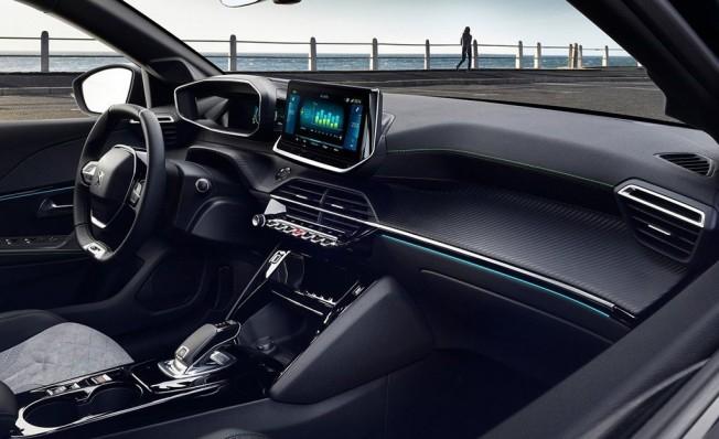 Peugeot e-208 - interior