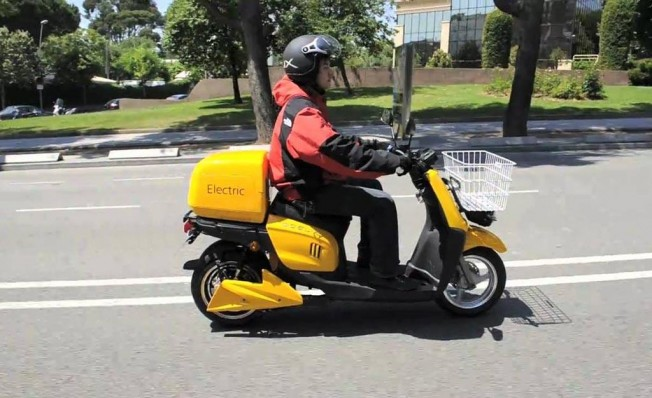 Motocicleta de reparto eléctrica