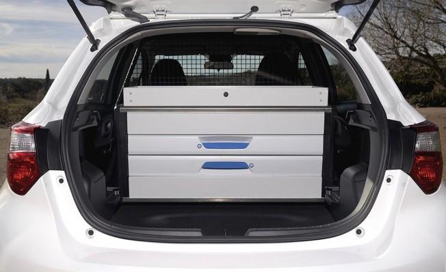Toyota Yaris Hybrid ECOVAN - maletero