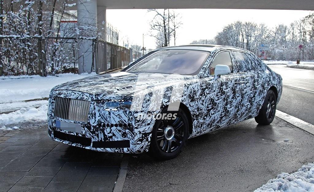 El nuevo Rolls-Royce Ghost vuelve a ser cazado, esta vez en unos test en carretera