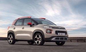 Francia - Enero 2019: El Citroën C3 Aircross pisa fuerte