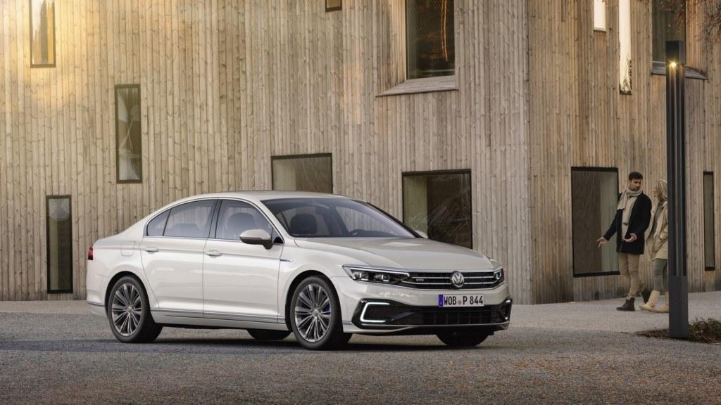 Volkswagen Passat GTE 2019, más autonomía eléctrica para la berlina híbrida