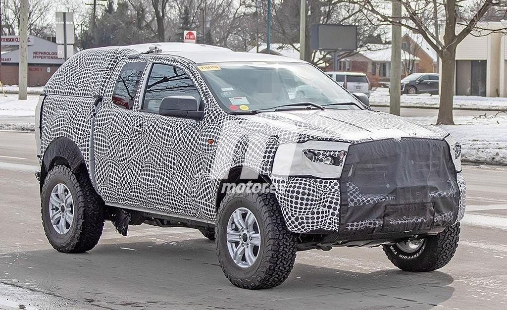 """El nuevo Ford Bronco se deja ver """"disfrazado"""" de pick-up"""