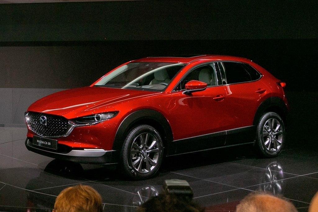 Mazda CX-30, la familia SUV crece con una opción intermedia
