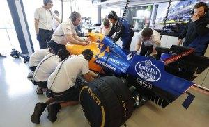 McLaren retrasa el uso del combustible de Petrobras