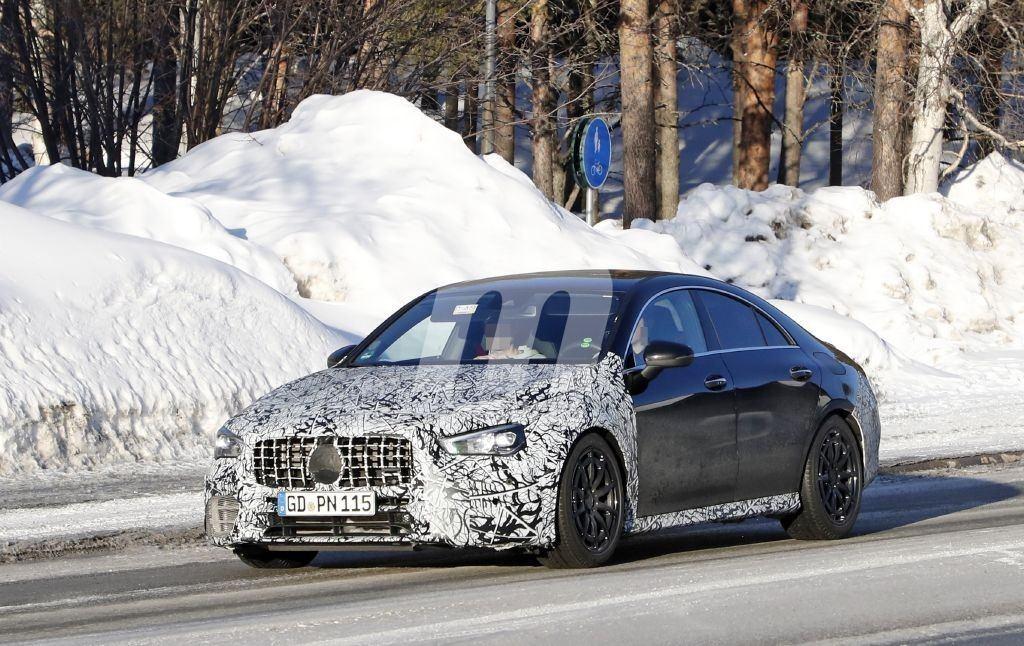 El nuevo Mercedes-AMG CLA 45 4MATIC apura las últimas pruebas de invierno