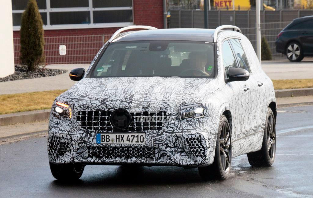 El nuevo Mercedes-AMG GLB 35 se pasea por las calles de Europa