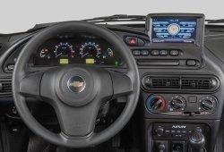 Así de extraño luce el interior del Chevrolet Niva con su nuevo sistema multimedia