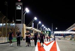 La FIA reacciona a las quejas de los pilotos e instala un tercer semáforo