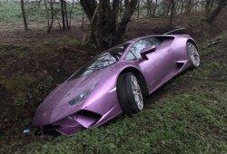 Un Lamborghini Huracán Performante aparece abandonado en una zanja