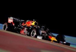 Red Bull padece pérdidas de potencia y sufre con el neumático blando