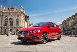 España - Febrero 2019: El Fiat Tipo sorprende y bordea el Top 10