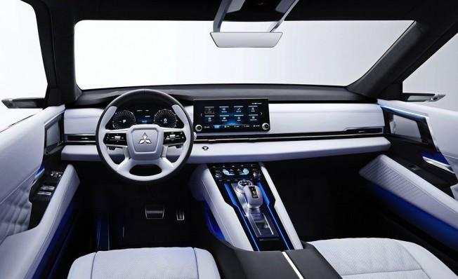 Mitsubishi Engelberg Tourer Concept - interior
