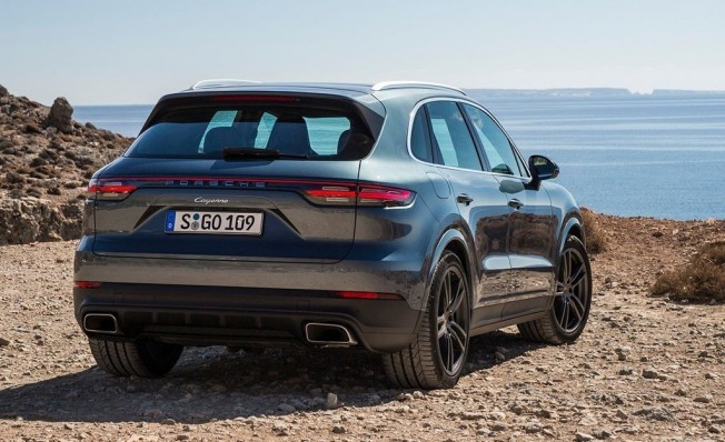 Porsche Cayenne - posterior