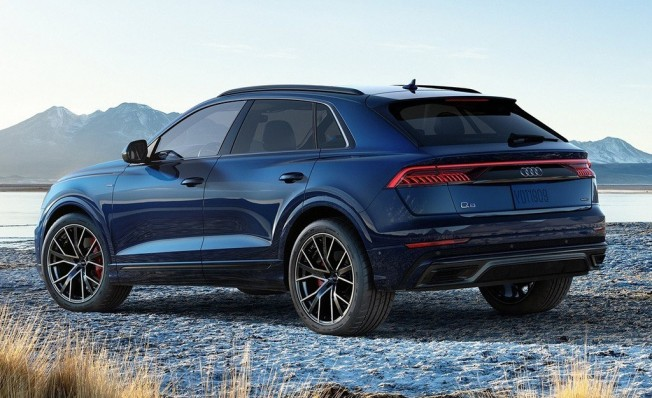Audi Q8 - posterior