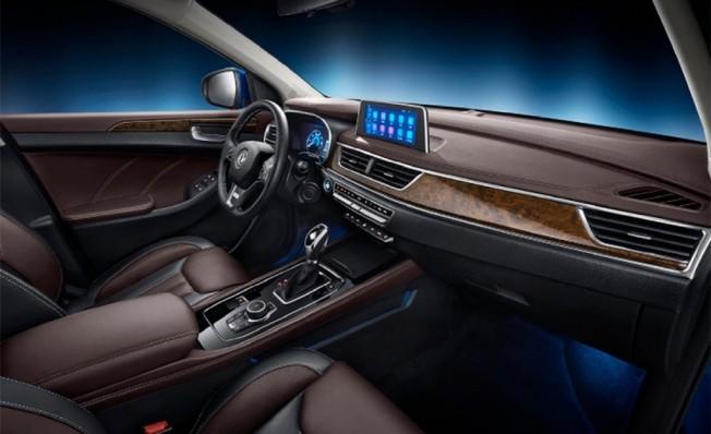 Glory 580 - interior