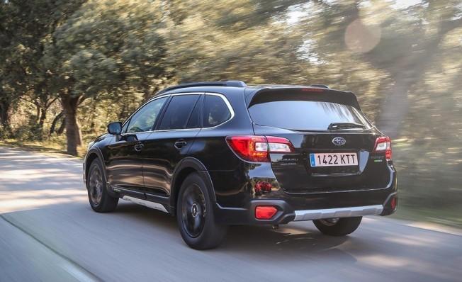 Subaru Outback Black Edition 2019 - posterior