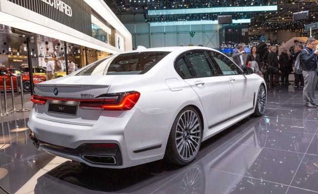BMW Serie 7 2019 - posterior